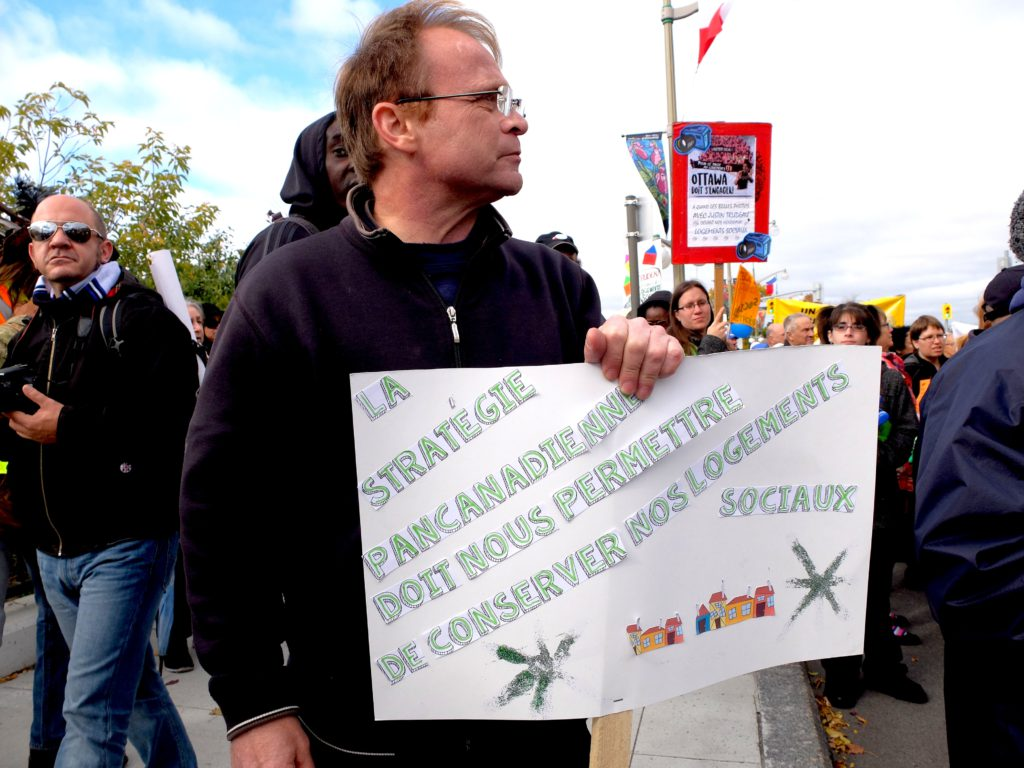pancarte-sur-strategie-canadienne-cm